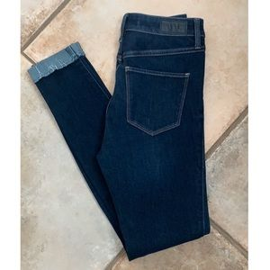 Hollister Drk Wash Jeans High  Rise Skinny size 5R